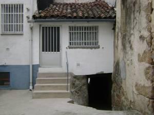 Túnel en una calle en Navaconcejo