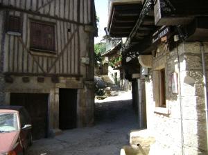 una calle en la Alberca